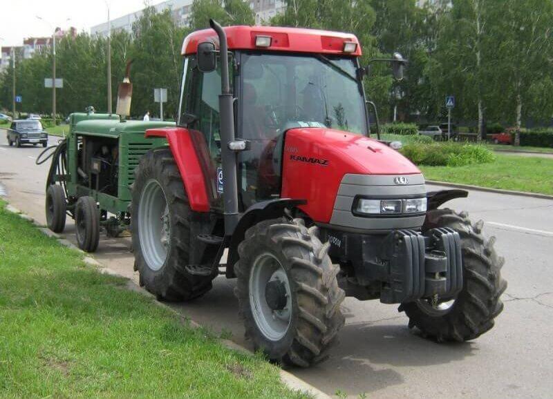 Передвижение трактора по дорогам