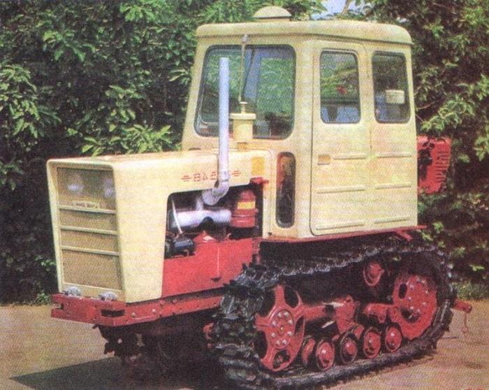 Traktor-T-54